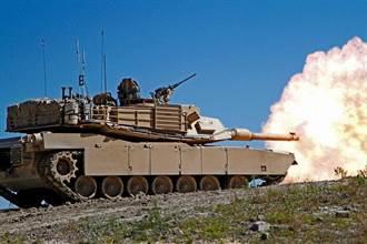 美國戰車演習打到自己人 M1擊中另一輛M1