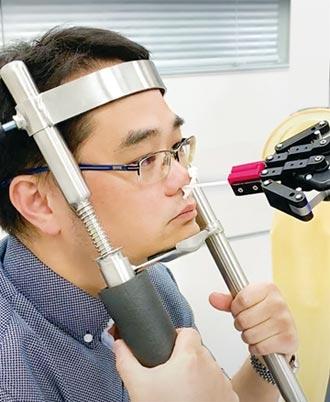 領先世界 鈦隼首創自動鼻咽採檢機器人