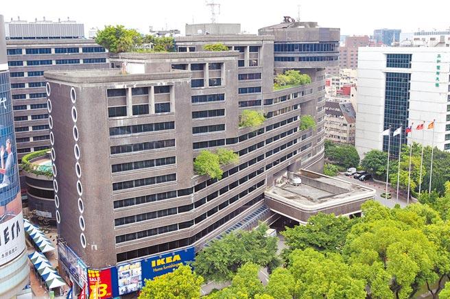 富邦人壽昨以268億元購入台北王朝大酒店。(本報資料照片)