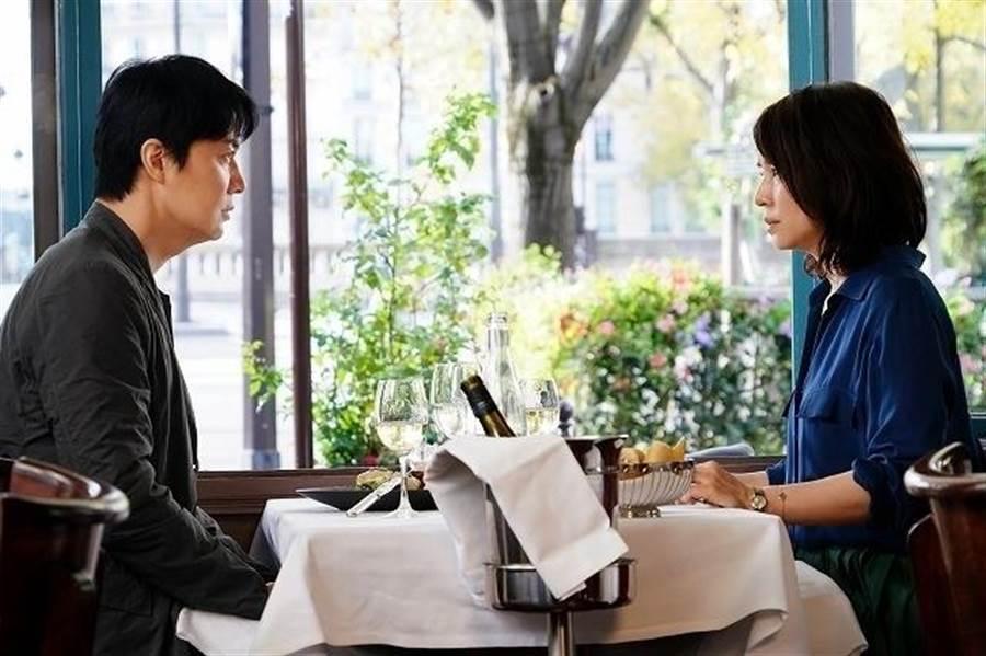 福山雅治首度携手石田百合子,带来年度最催泪爱情故事。(传影互动提供)