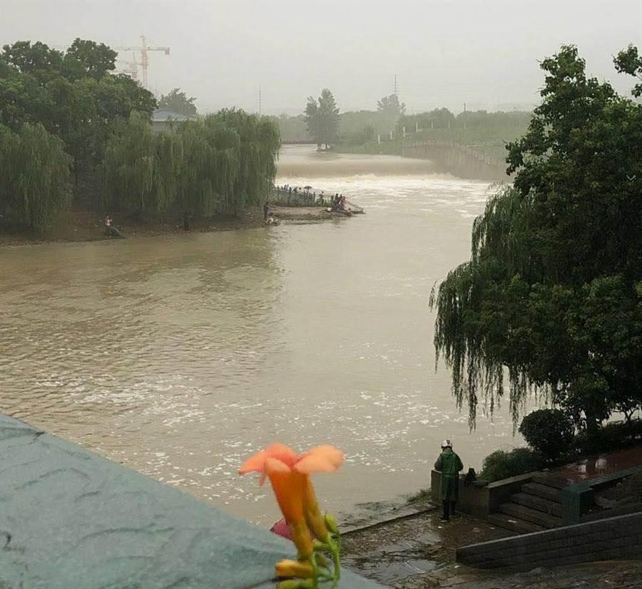 安徽合肥市肥東縣水位。(民眾提供)