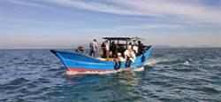 大陸漁船越界偷佈網具 馬祖海巡拂曉出擊
