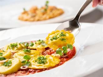 義大利消暑新菜上桌!北海道海膽、海螯蝦燉飯滿滿鮮味