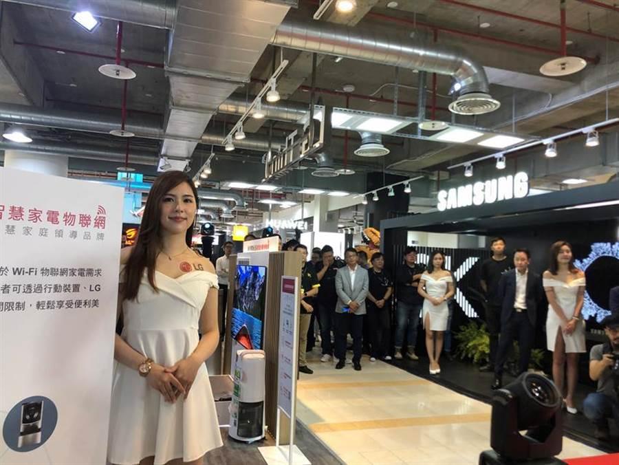 燦坤內湖旗艦店重新改裝為涵蓋智能、電競、新潮及體驗的門市。(圖/沈美幸攝)