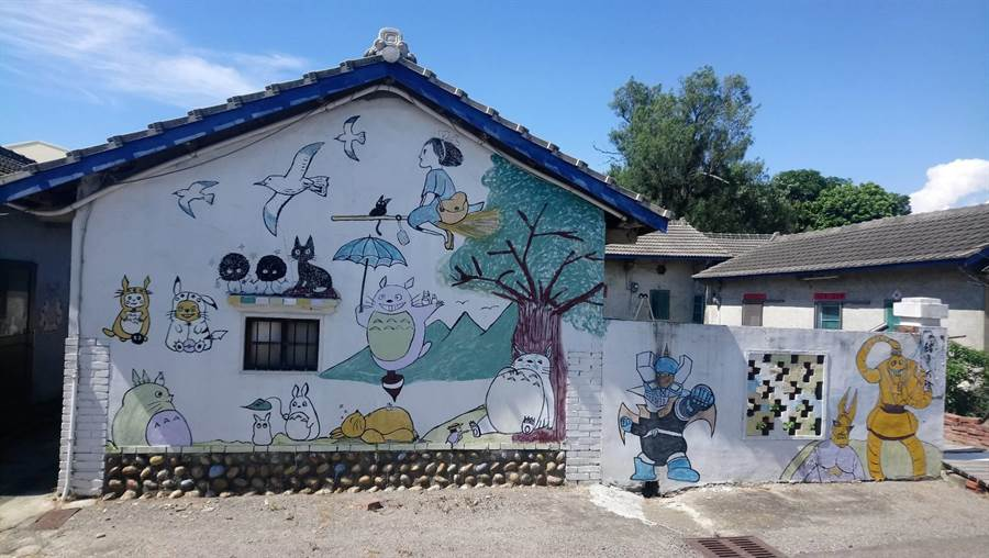 梧棲區中和里及興農里打造彩繪景點,吸引觀光客慕名而來。(梧棲區公所提供/王文吉台中傳真)