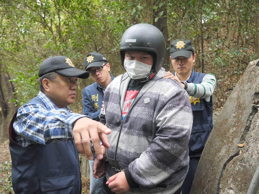黃嫌殺害學妹後,將人從台南載往高雄柴山的樹林焚屍。(中時資料照)