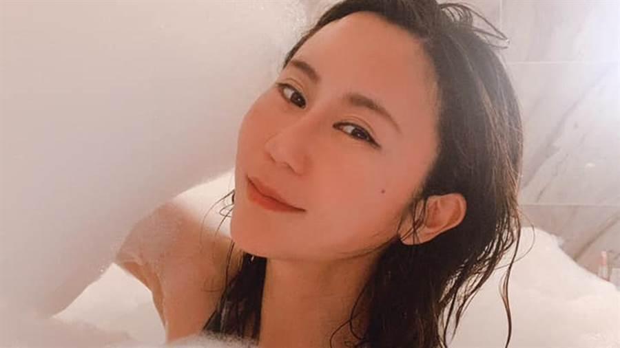 安晨妤內外兼具,仍和老公張劭緯感情決裂。(圖/FB@安晨妤nicoan)