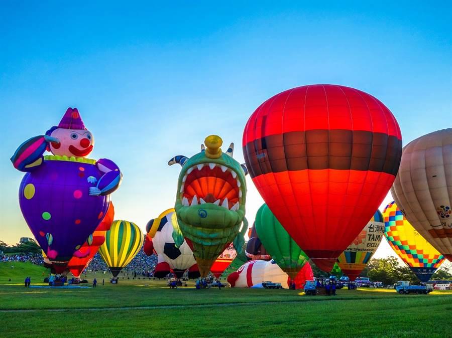 每年在臺東鹿野高臺舉辦的臺灣國際熱氣球嘉年華已經成為代表臺灣夏季節慶活動。/圖由台東縣政府提供