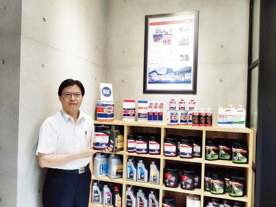 超惠企業董事長許建燈專業代理各式油品成績斐然。圖/業者提供
