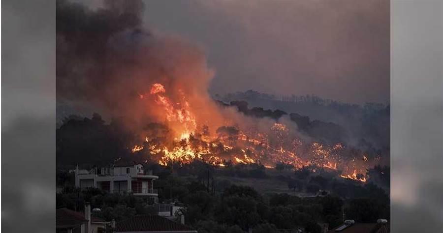 3天72起野火狂燒 希臘村莊被迫撤離(圖/達志/美聯社)