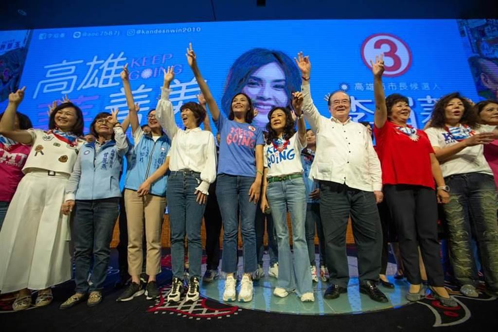 李眉蓁今天參加造勢大會,她對支持者說「不會再哭了,會跟大家一起拼到底」。(袁庭堯攝)