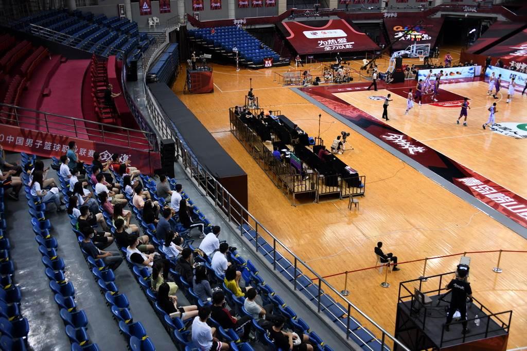 CBA在26日下午3點的比賽首次開放觀眾入場。(新華社)