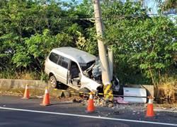 就快到家了 彰化廂型車自撞電線桿車毀人亡桿歪斜