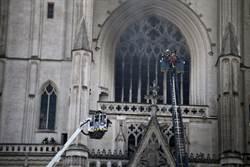 法檢警突破心防 難民看門工坦承放火燒南特大教堂