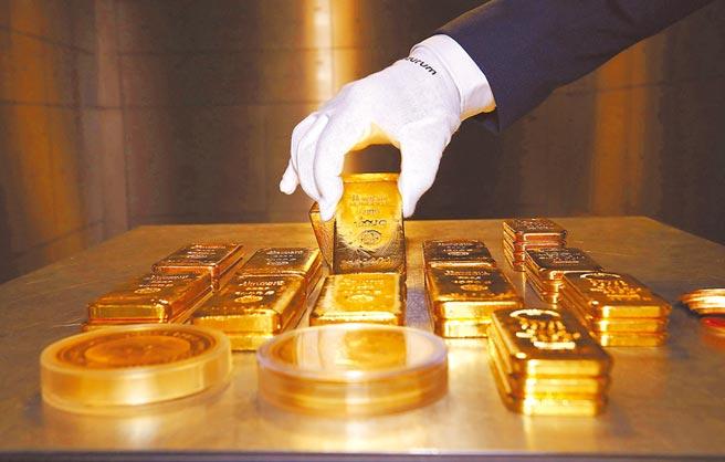 新冠肺炎疫情爆發後,黃金及貴金屬股票型基金今年表現大好,績效高達38%。(路透)