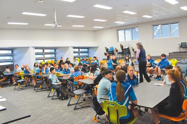 裕德雙語國際學校辦學績效受肯定,許多家長「搶破頭」要讓小孩就讀。(裕德雙語國際學校提供/葉書宏新北傳真)