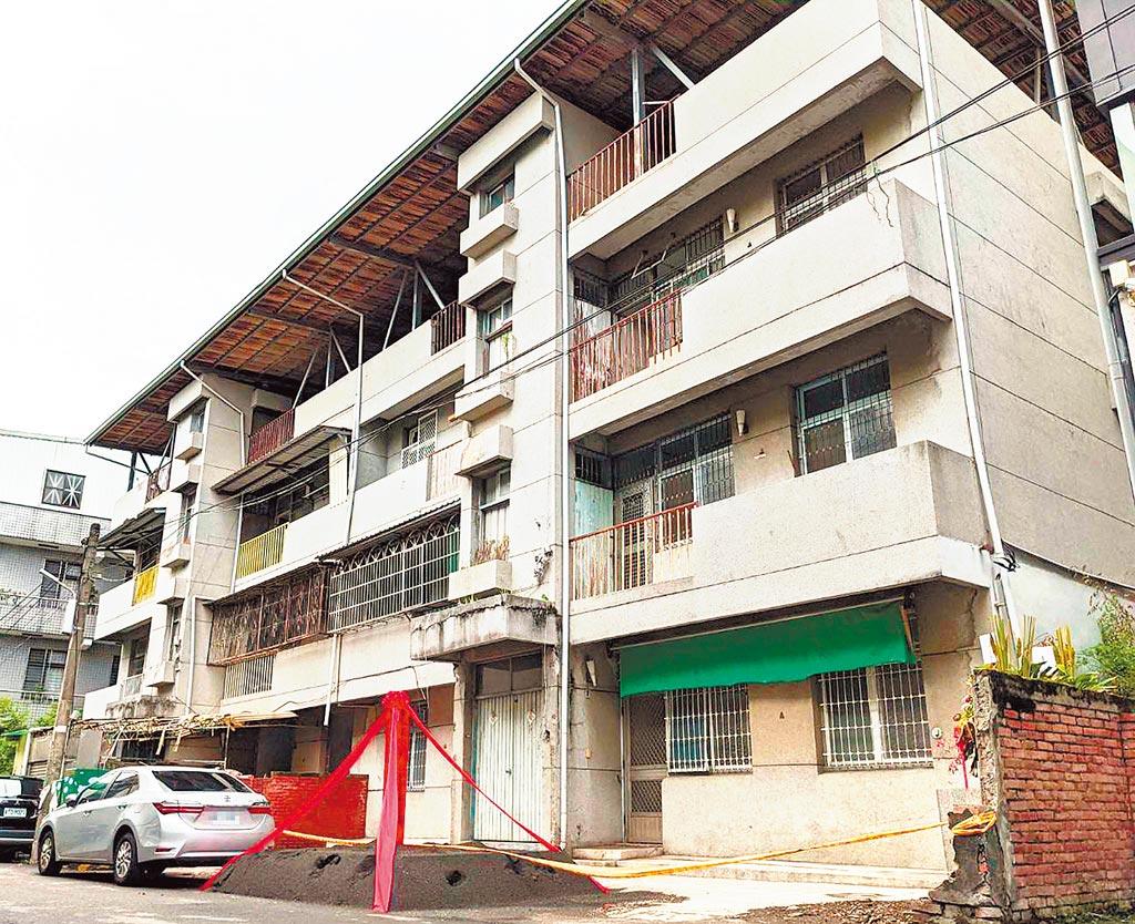 屏東縣迄今有4件申請核准的危老重建案,其中2件已經開工。(潘建志攝)