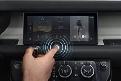 Jaguar Land Rover與劍橋大學合作開發「免接觸」觸控式螢幕