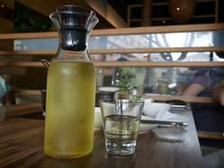 青草茶、苦茶、西瓜汁 11種退火飲品,喝對了嗎?