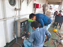 守油輪600天 兩船員終有水電用