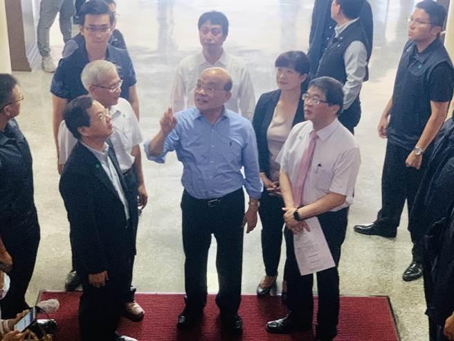 曾担任省议员的苏贞昌,对省府大楼记忆犹新。(廖志晃摄)