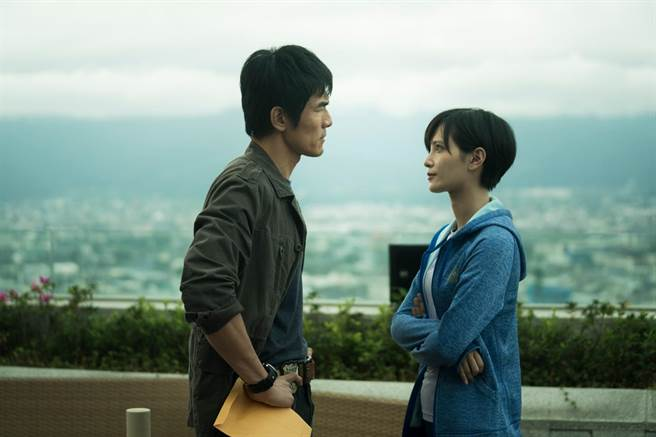 《猎梦特工》杨一展、吴子霏。(HBO Asia提供)