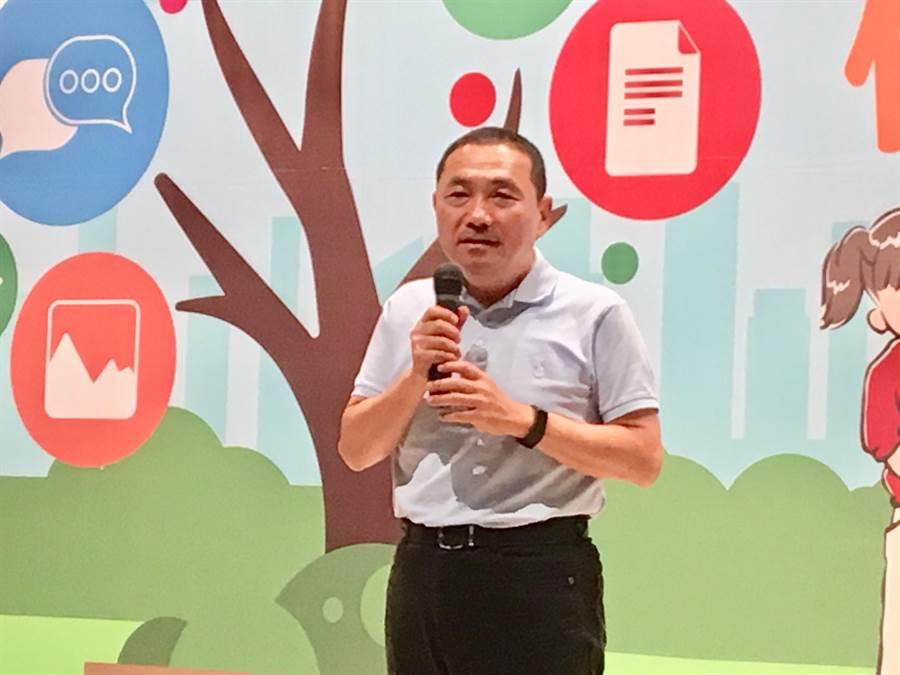 新北市長侯友宜今(27日)受訪表示,羨慕不代表忌妒,希望中央財政收支劃分法快速通過。(賴彥竹攝)