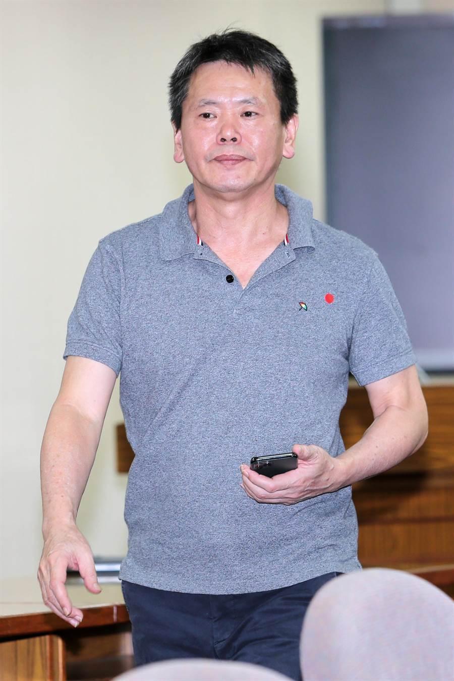 林為洲表示,將提閣揆同意權修憲案,未來也預計一周拋出一個修憲案。(黃世麒攝)