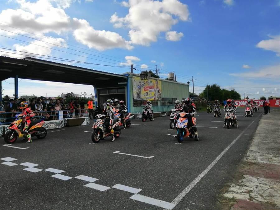 台南安定賽車場是少數符合卡丁車國內級標準的賽道,每年也固定舉辦速克達競技賽事,但卻傳出違反土地使用遭罰款,年底可能將吹熄燈號。(讀者提供/莊曜聰台南傳真)