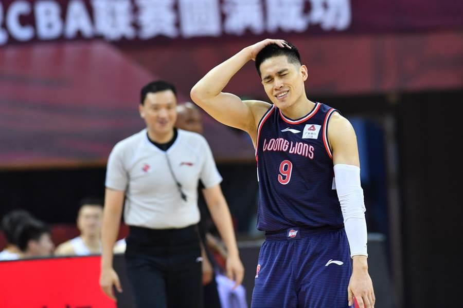 廣州後衛陳盈駿27日用6犯畢業,結束他在大陸CBA這個球季的所有賽事。(新華社)