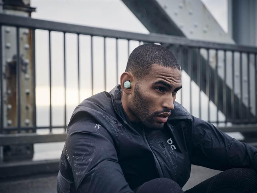 B&O推出首款真無線藍牙運動耳機 Beoplay E8 Sport。(B&O提供/黃慧雯台北傳真)
