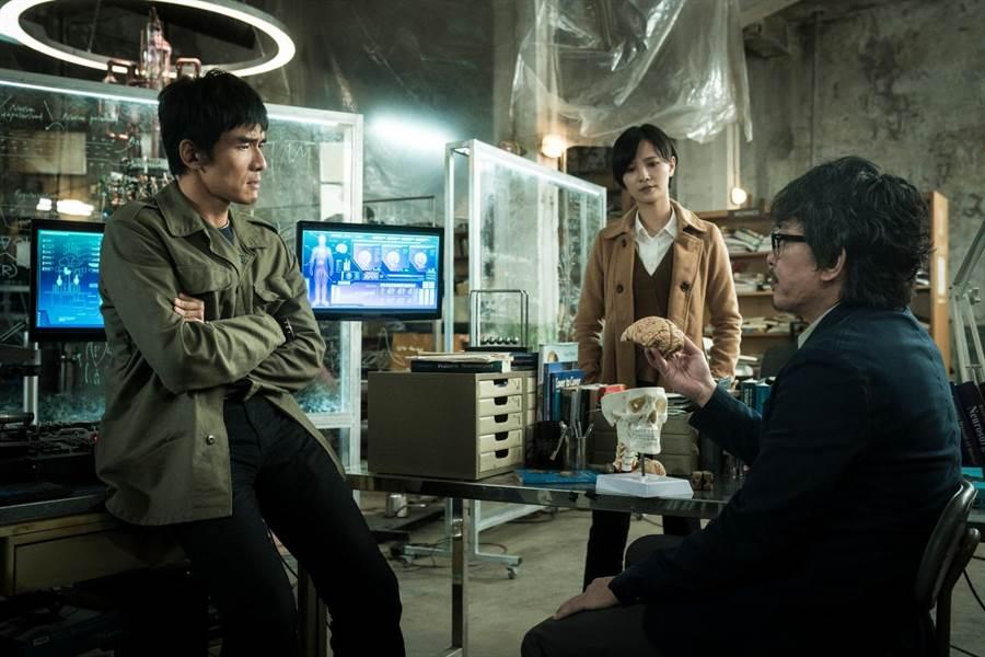 《獵夢特工》左起為楊一展、吳子霏、王識賢。(HBO Asia提供)