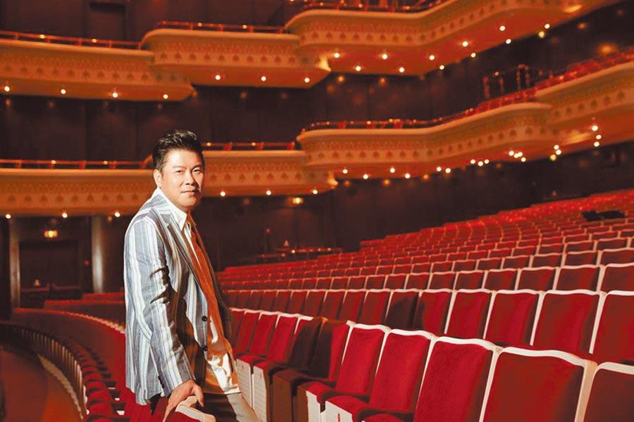 曾國城主持之餘也熱中演戲,每一年皆有舞台劇作品。(傑星傳播提供)