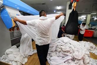 國旅大爆發 大哥出手幫忙洗被單