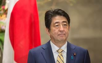 南韓出現影射安倍首相跪慰安婦少女像的作品   菅義偉稱不可原諒