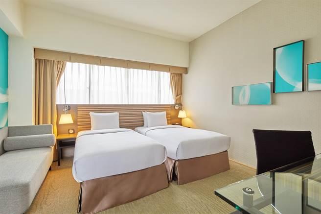 台北凱撒大飯店於7月30日至8月9日推出「和爸爸一起旅遊」的住房優惠,平日每房1788元起。圖/台北凱撒大飯店提供