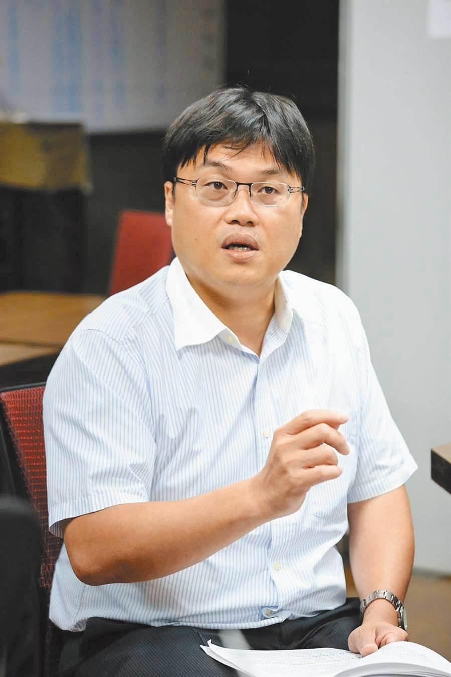教育部高教司長朱俊彰說明將全力防杜論文抄襲。(教育部提供/林志成台北傳真)
