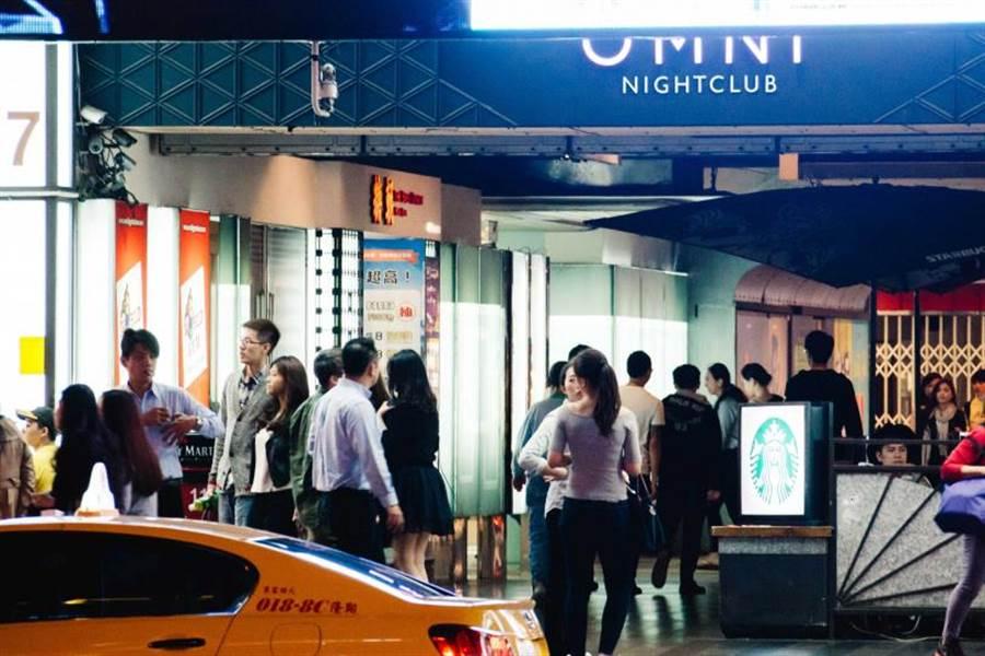夏成龍的麗園酒店和兒子夏天浩經營的知名夜店「OMNI」在同一棟大樓。(圖/報系資料照)