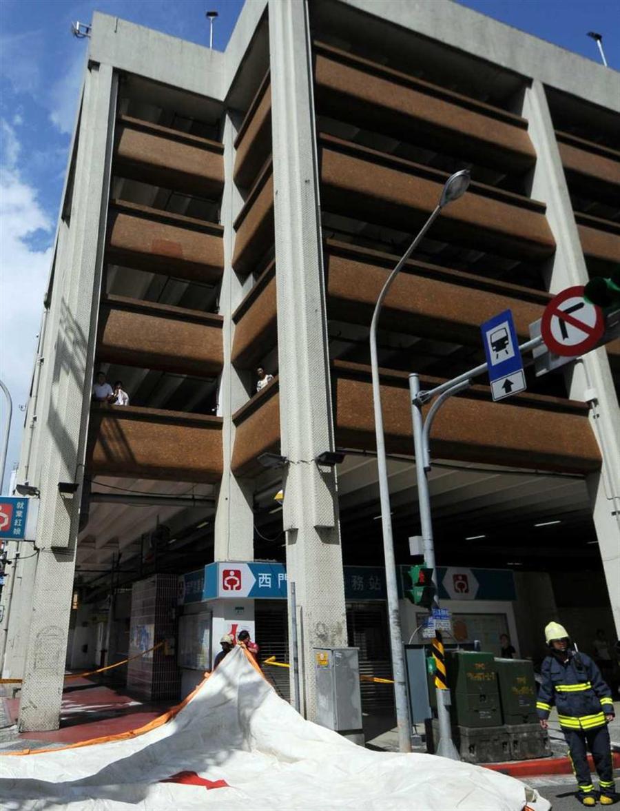 2015年西門町峨嵋停車場2死槍擊案,殺手陳福祥案發前一晚曾在麗園酒店招待2名死者。(圖/報系資料照)