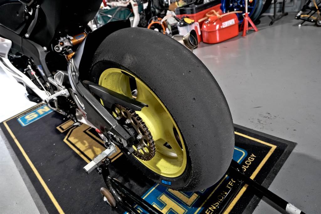 麗寶最速二輪單圈紀錄再刷新! 倍耐力DIABLO SUPERBIKE助攻表現亮眼
