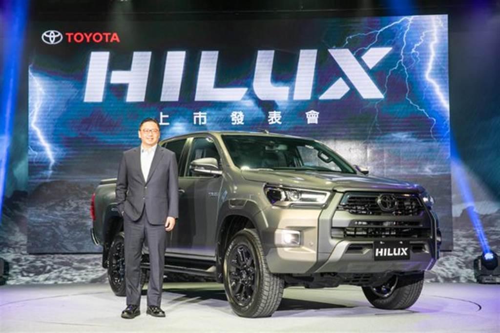 7月29日TOYOTA總代理和泰汽車舉辦ALL NEW HILUX上市發表會,和泰汽車蘇純興總經理與HILUX合影