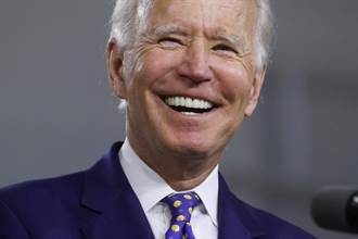 2020美大選》火爆川普罩門全都露 微笑拜登弱弱撿便宜