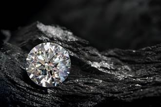 一夜致富不是夢!他花80元租地 挖到價值200萬「10克拉鑽石」