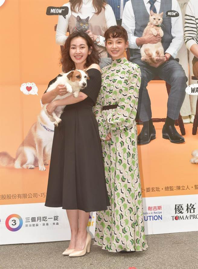 《黑喵知情》首映会,蔡灿得(左)、姚爱寗(右)。(卢祎祺摄)