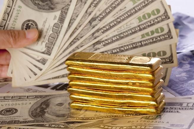黃金漲破2000美元還沒完?分析師估續飆天價。(本報系資料照)
