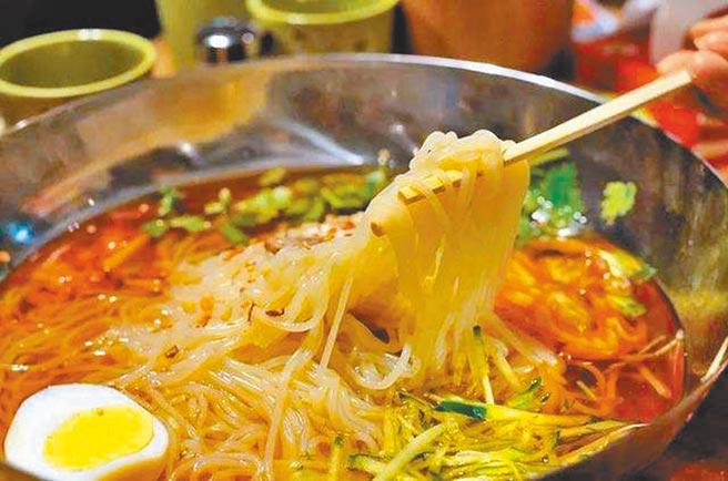 朝鮮族冷麵。