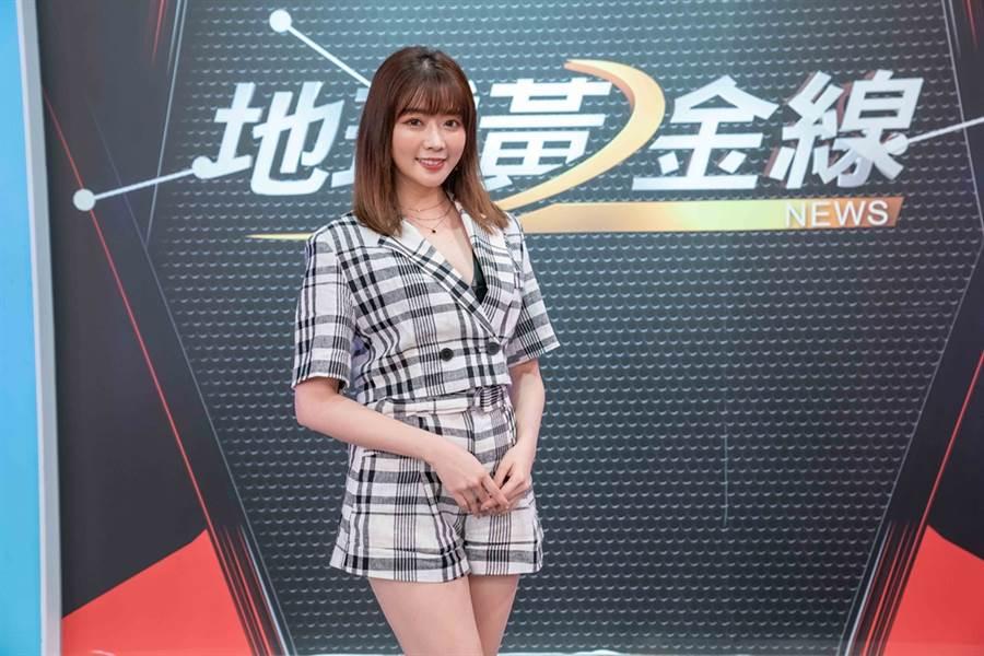 TVBS《地球黃金線》主持人蘇宗怡邀請藝人成語蕎分享開車與用車習慣。(圖/TVBS提供)
