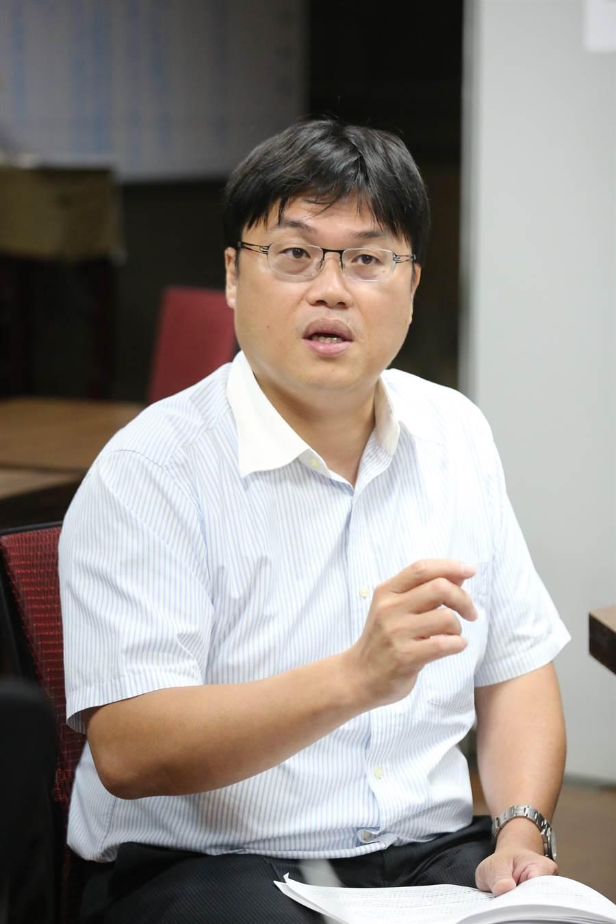 業者捐快刀論文比對系統 ,教育部高教司長朱俊彰表示感謝。(教育部提供/林志成台北傳真)