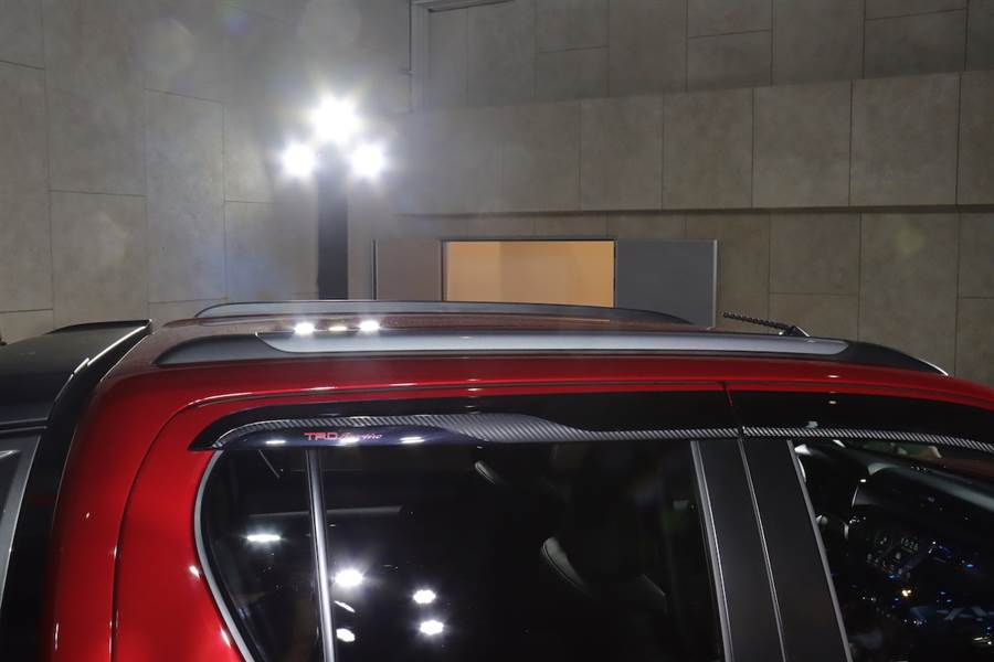 售價 145 萬單一規格,Toyota Hilux 二度小改款全面升級在台發表