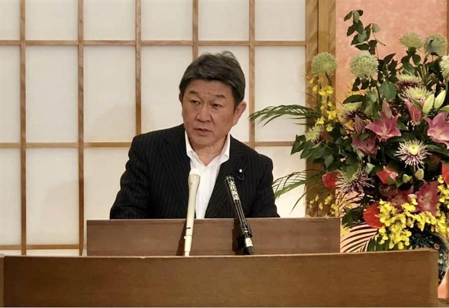 日本外務大臣茂木敏充29日與中國國務委員兼外交部長王毅舉行約1小時又20分鐘的電話會談。(取自日本外相茂木敏充的臉書)